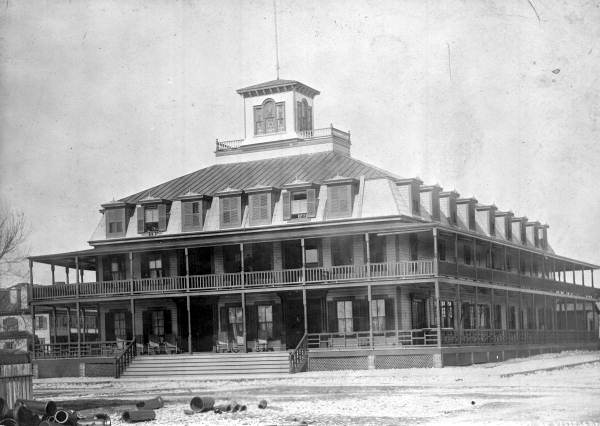 The Gibson Inn, 1918. Photo credit: State Archives of Florida.