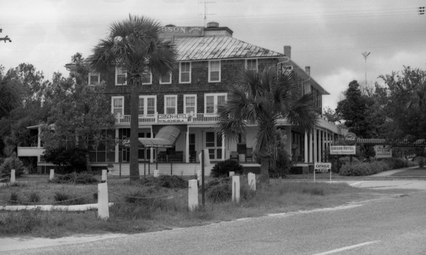 The Gibson Inn, 1964. Photo credit: State Archives of Florida.